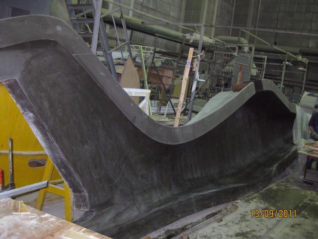 Матрица фюзеляжа самолёта МАИ-407 в работе