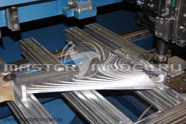 Продувочная модель крыла Superjet
