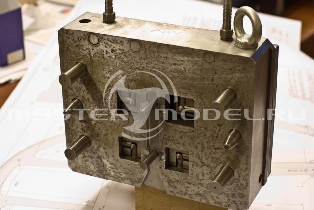 Прессформа для литья алюминиевых деталей под давлением