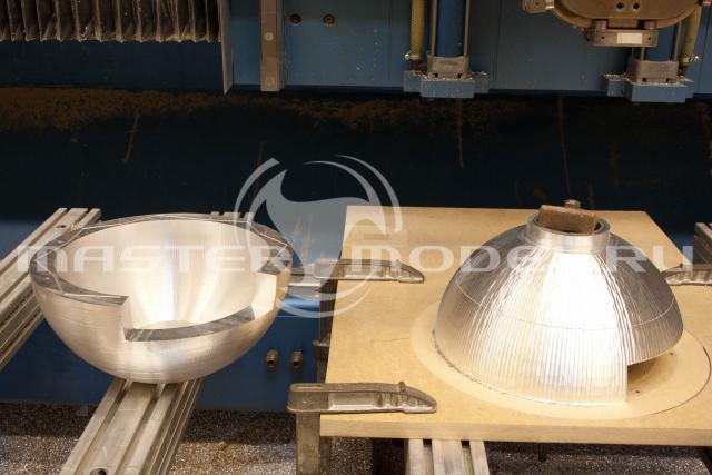 Корпус изготавливался из листов алюминия, толщиной 100 мм, склеенных специальным составом.